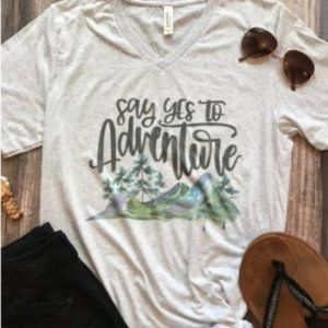 Say yes to Adventure Graphic Tee Short Sleeves XL